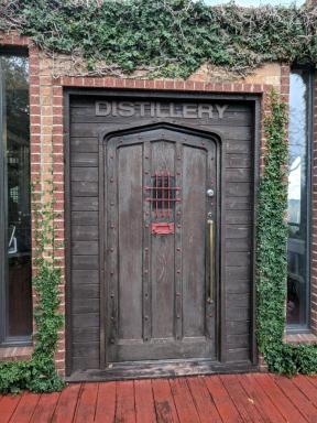 19-02-09 3Kiepersol Distillery